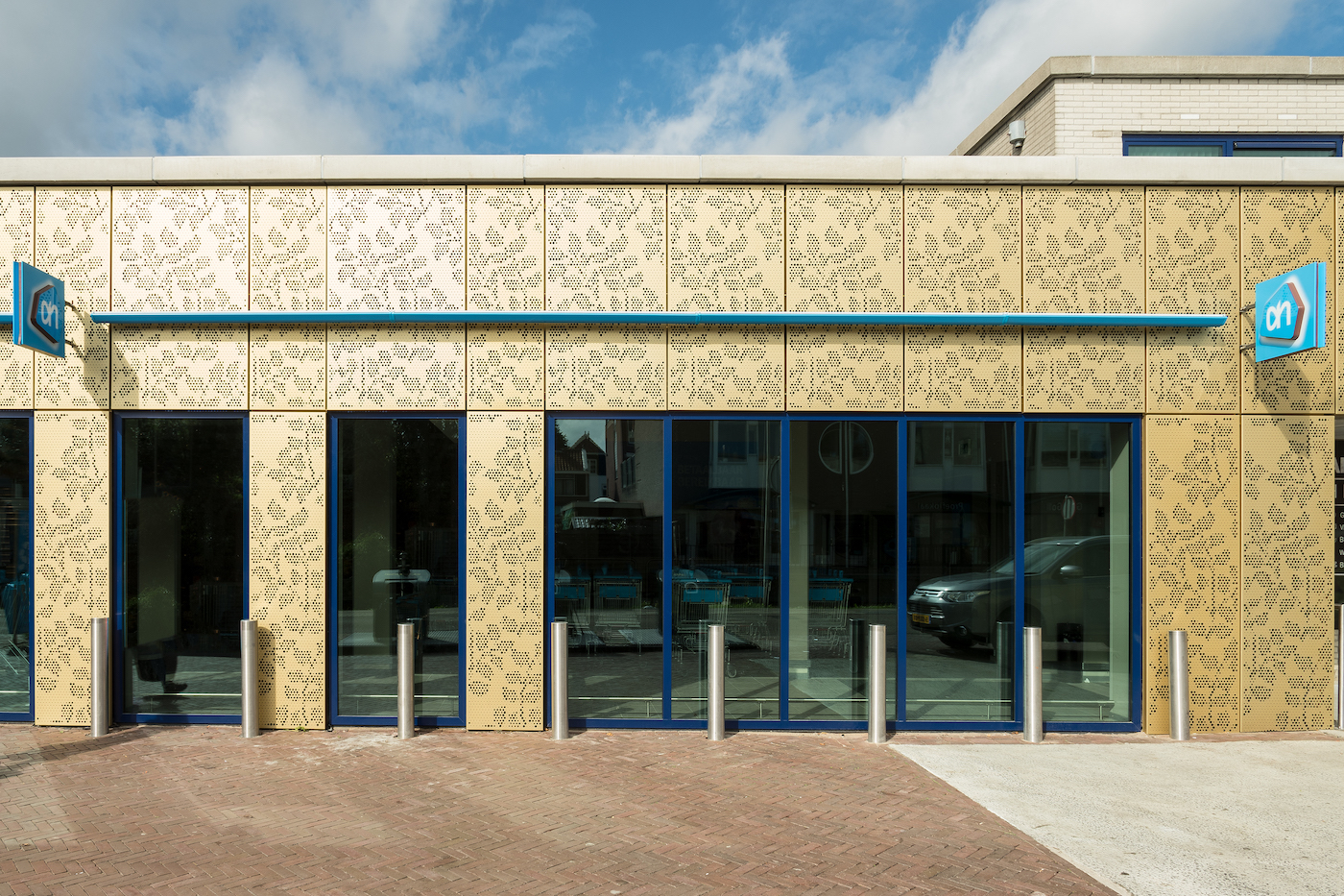 AG architecten renovatie Albert Hein Gevel, perforatieplaten